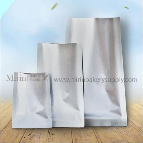 ถุงฟอยล์ทึบ ซีล3ด้าน ขนาด 9*13 cm. บรรจุ 100ใบ/แพ็ค (สินค้าใน 1แพ็ค บวกลบ1-2ใบ/แพ็ค